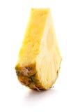 Fetta dell'ananas isolata sui precedenti bianchi Immagini Stock