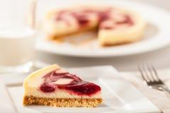 Fetta della torta di formaggio Immagini Stock Libere da Diritti