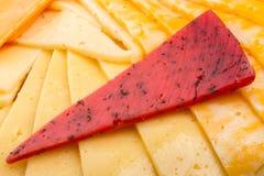 Fetta di rosso di pesto del formaggio Immagini Stock Libere da Diritti