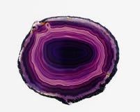 Fetta traslucida lucidata di agata viola legata Immagini Stock