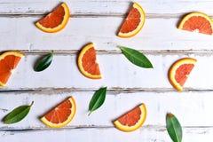 Fette arancio sulla tavola Fotografia Stock Libera da Diritti