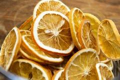 Fette arancioni secche fotografia stock