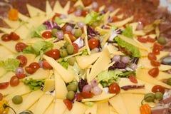 Fette del formaggio e del salame Fotografia Stock