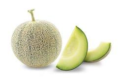 Fette del melone del cantalupo isolate su fondo bianco Immagini Stock Libere da Diritti