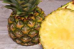 Fette dell'ananas Immagini Stock Libere da Diritti