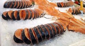 Fette di color salmone fresche immagine stock libera da diritti
