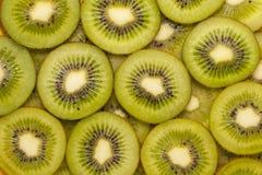 Fette di kiwi su un bianco Immagine Stock Libera da Diritti