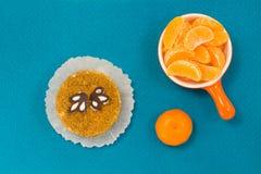 Fette di mandarino Dolce Priorità bassa per una scheda dell'invito o una congratulazione Vista superiore Fotografia Stock Libera da Diritti
