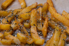 Fette di patate cucinate nel forno Immagine Stock