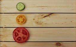 Fette di pomodori e di cetriolo Immagine Stock