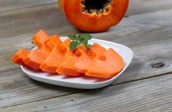 Fette fresche della frutta della papaia Fotografia Stock Libera da Diritti