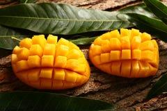 Fette mature gialle del mango Fotografie Stock