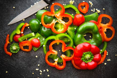Fette rosse e verdi dei peperoni dolci Fotografia Stock