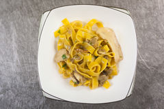 Fettuccine avec le champignon Photo stock