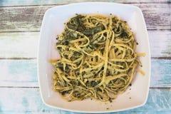 Fettuccine con Pesto fresco Foto de archivo