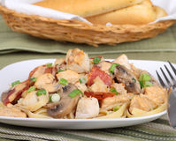 Fettuccine de poulet Photo stock
