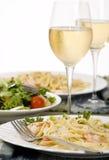 Fettuccine dos salmões e do camarão Fotografia de Stock Royalty Free