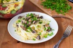 Fettuccine italiano de las pastas Imagenes de archivo