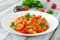 Fettuccine pasta with shrimp Royalty Free Stock Image