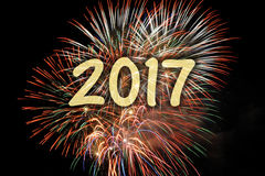 Feu d'artifice aux nouvelles années 2017 Images stock