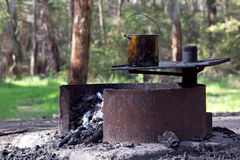 Feu de camp australien. Images libres de droits