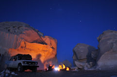 Feu de camp dans le désert Photo stock