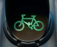 Feu de signalisation vert de bicyclette Images libres de droits