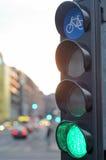 Feu vert pour la circulation de bicyclette Images libres de droits