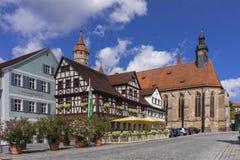 Feuchtwangen är en historisk stad i Bayern Royaltyfria Foton