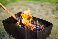 Feuer auf dem Grill Lizenzfreies Stockfoto