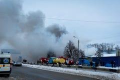 Feuer auf dem großen Markt Chernivtsi, Ukraine Kalinka-Markt Lizenzfreie Stockbilder