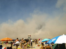 Feuer auf dem Strand Stockbilder