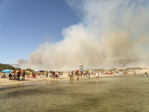 Feuer auf dem Strand Lizenzfreies Stockbild