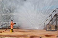 Feuer auf dem Unterricht des Ministeriums der Notsituationen stockbild