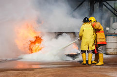 Feuer auf dem Unterricht des Ministeriums der Notsituationen Stockfotografie