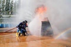 Feuer auf dem Unterricht des Ministeriums der Notsituationen Stockbilder