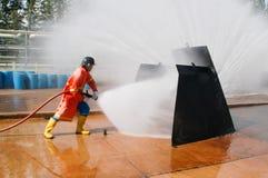 Feuer auf dem Unterricht des Ministeriums der Notsituationen Lizenzfreie Stockfotografie