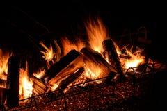 Feuer auf weißem Hintergrund Stockfotos