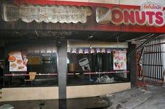 Feuer ausgeweidete Schnellimbiss-Gaststätte in Bangkok Stockbild