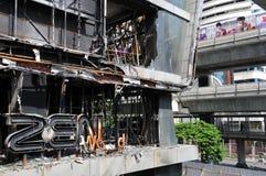 Feuer ausgeweidetes Einkaufszentrum in Bangkok Stockfotografie