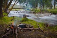 Feuer in dem Fluss Stockbilder