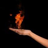 Feuer in der Hand Lizenzfreie Stockfotos