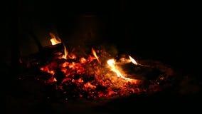 Feuer in der Nacht stock footage