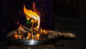 Feuer in der Platte lizenzfreies stockbild