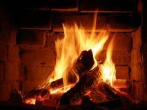 Feuer in einem Kamin Stockbilder