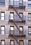 Feuer-Entweichen auf Gebäude Stockbild
