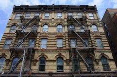 Feuer-Entweichen-Strichleitern im Greenwich Village Stockfotografie