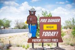 Feuer-Gefahr hoch heute Verhindern Sie Waldbrände stockbilder