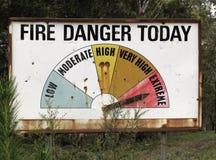 Feuer-Gefahren-Zeichen Stockfotografie