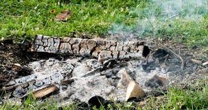 Feuer, Glut, die im Feuer schwelt abend Lizenzfreies Stockbild